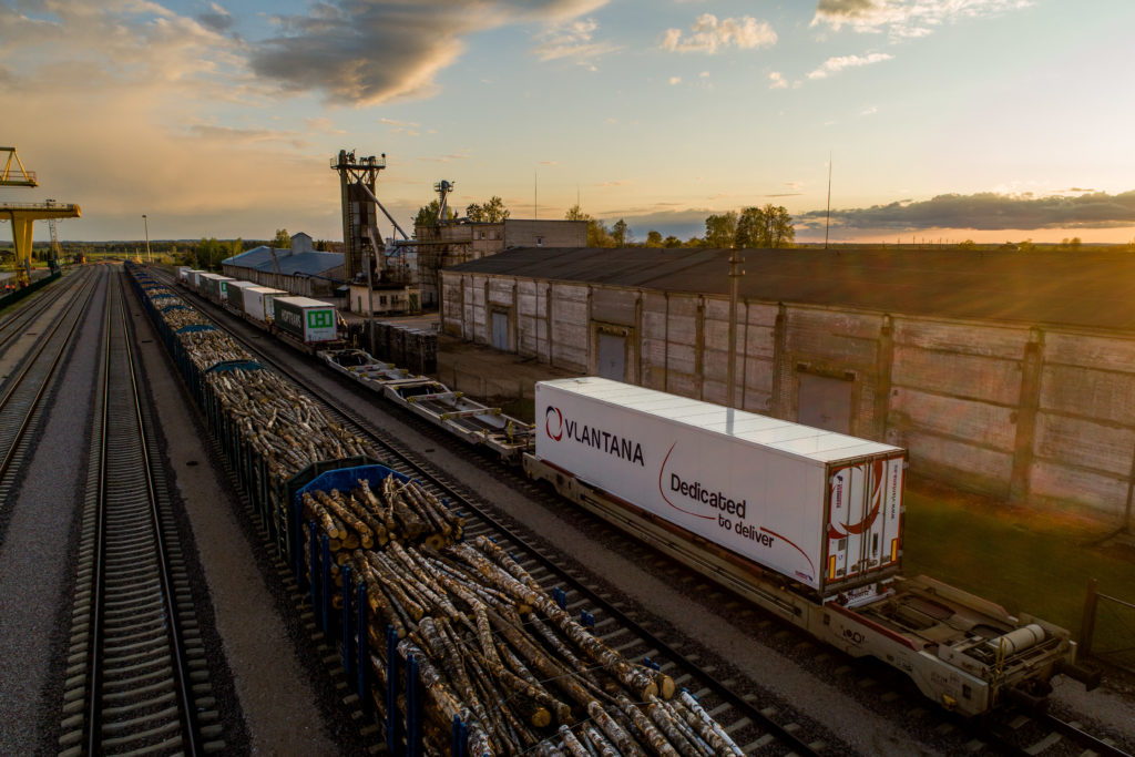Commitment to sustainable projects continues. New intermodal lane connecting LT>DE>LT on test mode.