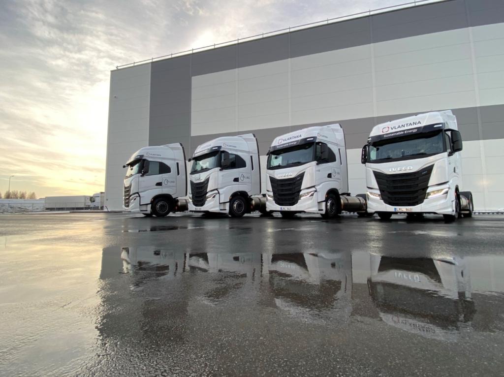 """Vlantana"""" autoparką papildė naujais SGD kuru varomais Iveco vilkikais"""